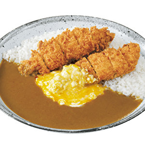 Hand‐made chicken tender cutlet curry with soft boiled egg tartar sauce/手仕込ささみカツカレー+半熟タマゴタルタルソース